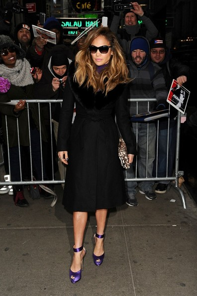 More Pics of Jennifer Lopez Printed Clutch (1 of 13) - Jennifer Lopez Lookbook - StyleBistro