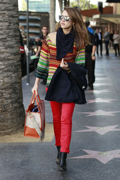 More Pics of Jessica Alba Rectangular Sunglasses (1 of 6) - Rectangular Sunglasses Lookbook - StyleBistro