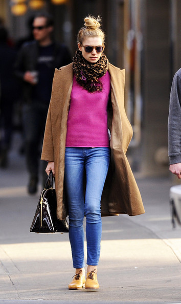 More Pics of Jessica Hart Patterned Scarf (1 of 5) - Jessica Hart Lookbook - StyleBistro