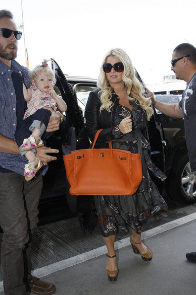 More Pics of Jessica Simpson Oversized Tote  (1 of 20) - Jessica Simpson Lookbook - StyleBistro