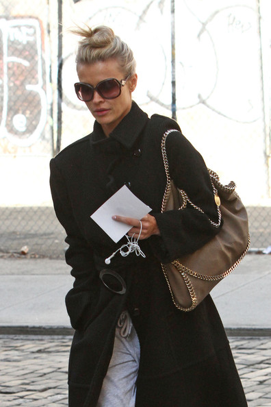 More Pics of Joanna Krupa Wool Coat (1 of 6) - Wool Coat Lookbook - StyleBistro