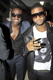 Here is another sunglass favorite of Usher's.  These large statement glasses with side shields are very fashion forward.