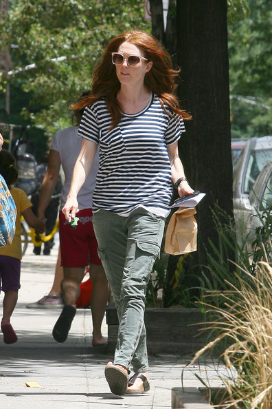 Julianne Moore T-Shirt