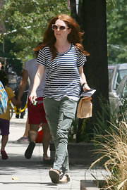 Julianne looked super chic in her cargo pants and striped shirt.