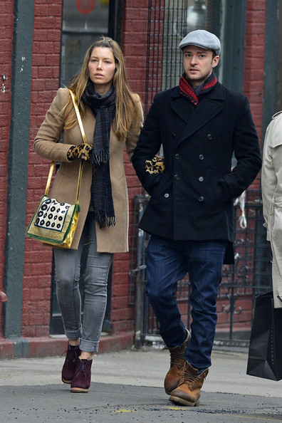 More Pics of Jessica Biel Printed Shoulder Bag (1 of 14) - Jessica Biel Lookbook - StyleBistro