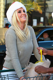 Karissa Shannon ran errands in LA wearing a simple gray hoodie and jeans.