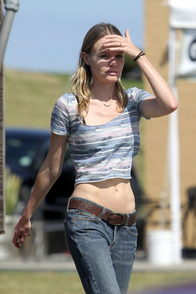 More Pics of Kate Bosworth Crop Top (1 of 15) - Kate Bosworth Lookbook - StyleBistro