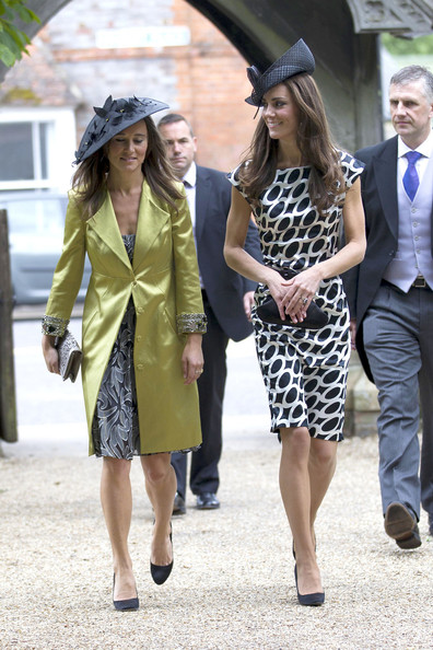 More Pics of Pippa Middleton Envelope Clutch  (1 of 3) - Clutches Lookbook - StyleBistro []
