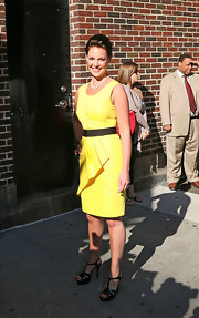 Katherine wears a sweet yellow satin cocktail dress for the 'Late Show with David Letterman.' Very madmen!