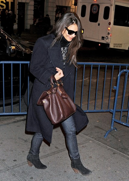 More Pics of Katie Holmes Leather Tote (1 of 4) - Katie Holmes Lookbook - StyleBistro