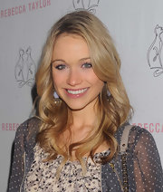 Katrina Bowden paired her stunning look with long flowing curls.