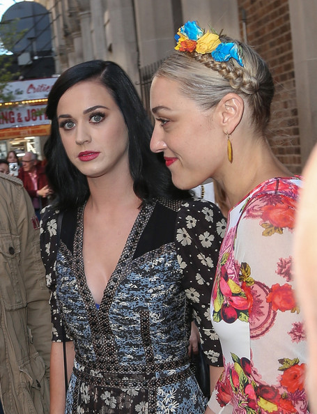 More Pics of Katy Perry Long Side Part (1 of 8) - Long Hairstyles Lookbook - StyleBistro []