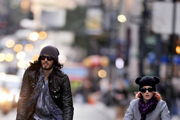Katy Perry Russell Brand Russell Brand and Katy Perry Go for a Bike Ride in New York City