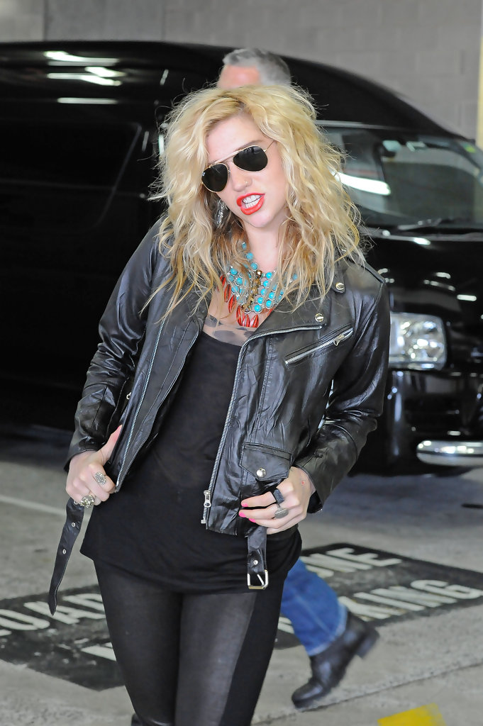 Kesha Leather Jacket Kesha Outerwear Looks Stylebistro