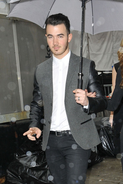 Kevin Jonas Clothes