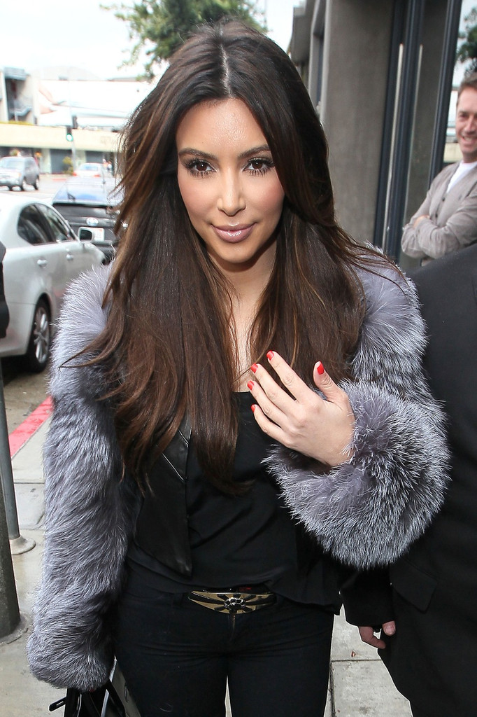 Kim Kardashian Wore A Sizzling Scarlet Shade Of Nail Polish While Out In LA