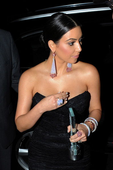 More Pics of Kim Kardashian Dangling Diamond Earrings (1 of 7) - Kim Kardashian Lookbook - StyleBistro