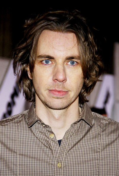 Dax Shepard's messy 'do at the premiere of 'When in Rome' had a grunge feel.
