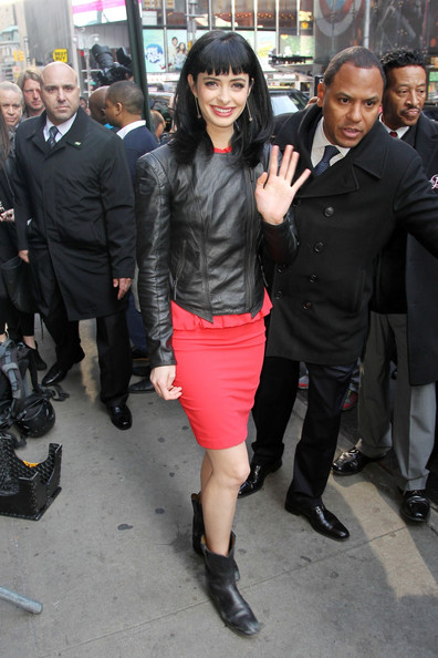 More Pics of Krysten Ritter Long Straight Cut with Bangs (6 of 15) - Krysten Ritter Lookbook - StyleBistro