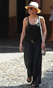 Kylie opted for a loose tank to pair with her maxi skirt for maximum movement in her outfit.