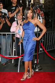 "Actress Taraji P. Henson showed up at the ""Date Night"" premiere looking very stylish. Her structured blue dress and silver strappy heels made for a killer combo."