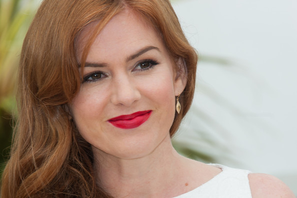 More Pics of Isla Fisher Red Lipstick (1 of 3) - Red Lipstick Lookbook - StyleBistro