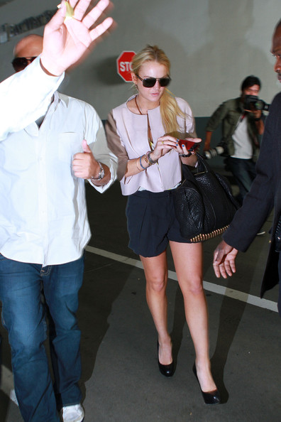 More Pics of Lindsay Lohan Leather Shoulder Bag (1 of 11) - Leather Shoulder Bag Lookbook - StyleBistro