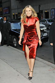 Lindsey Vonn showed off her killer curves in this vibrant red velvet number.