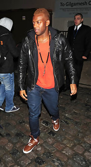 Oritse Williams' black leather jacket was a handsome way to finish off his casual outfit.