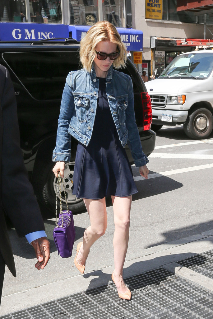 'Mad Men' star January Jones goes for lunch in Midtown Restaurant in New York City.