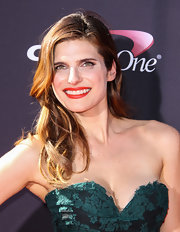 Lake Bell's red lips had flecks of orange scatter throughout for a super summery touch.