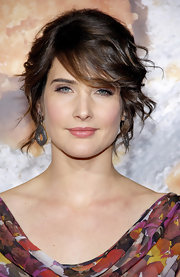 Cobie Smulders wore her shiny slightly waved tresses in a casual updo for the 'American Reunion' premiere.