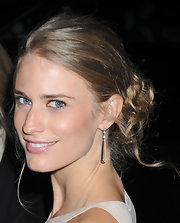 Julie Henderson wore her shiny tresses casually pinned up with a few loose tendrils at the 2012 amfAR Gala.