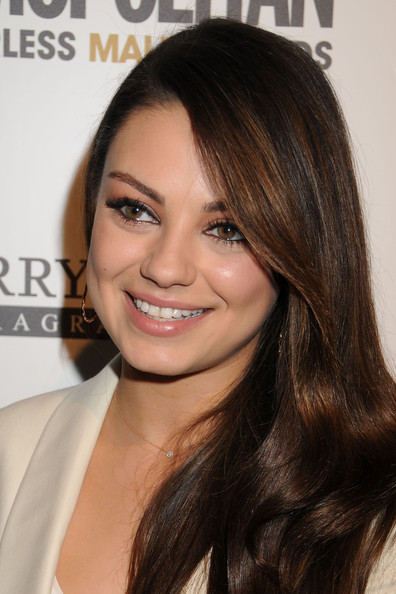 More Pics of Mila Kunis Hard Case Clutch (1 of 11) - Mila Kunis Lookbook - StyleBistro