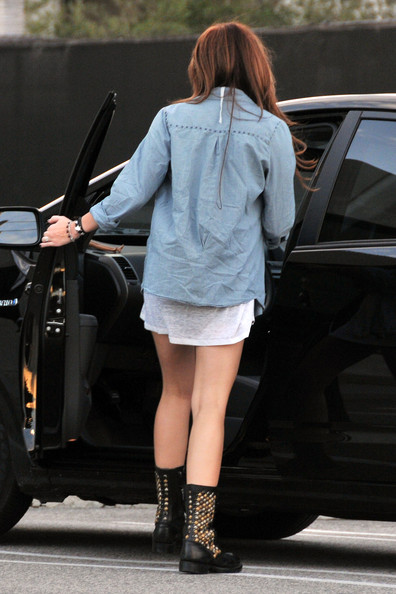More Pics of Miley Cyrus Fur Messenger Bag (1 of 14) - Miley Cyrus Lookbook - StyleBistro