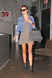 Miranda's denim jacket gave her frock a fun and summery vibe!