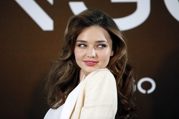 More Pics of Miranda Kerr Gold Nameplate Necklace (3 of 23) - Miranda Kerr Lookbook - StyleBistro