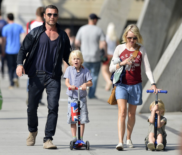 More Pics of Naomi Watts Denim Shorts (2 of 4) - Naomi Watts Lookbook - StyleBistro