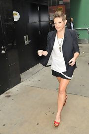 Natalie Maines chose this oversized blazer to pair with a tee and shorts for her look while visiting 'GMA.'