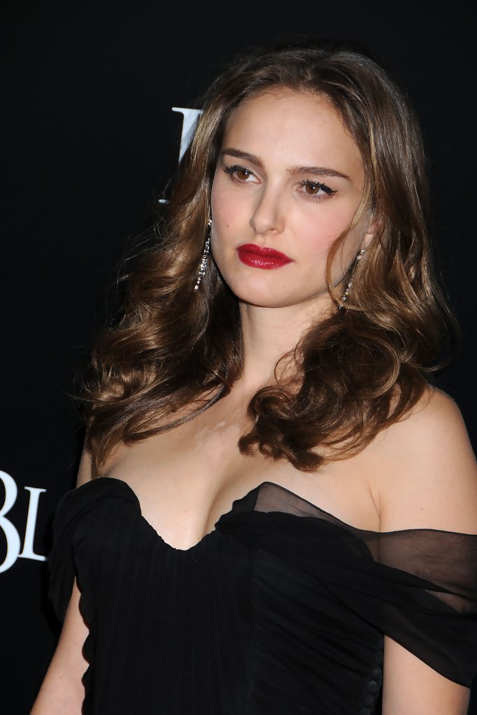 More Pics Of Natalie Portman Red Lipstick 10 Of 16 Red