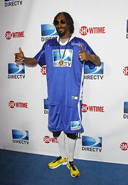 Snoop went bold in a pair of yellow sneakers.