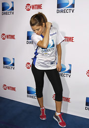 Maria Menounos showed her sporty side in a pair of red and gray sneakers.