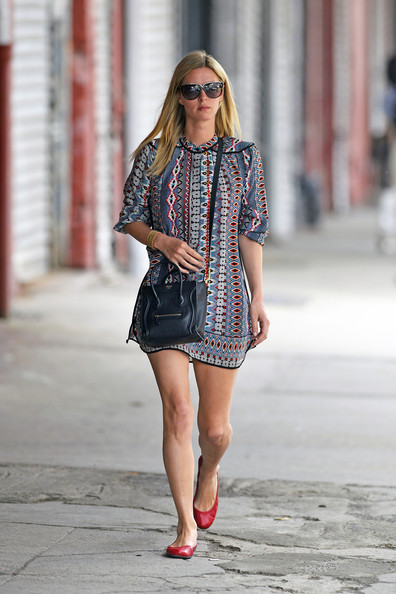 More Pics of Nicky Hilton Print Dress (1 of 6) - Nicky Hilton Lookbook - StyleBistro