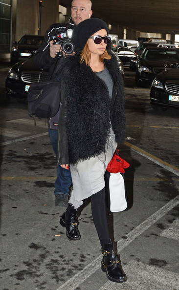 More Pics of Nicole Richie Knit Beanie (1 of 4) - Winter Hats Lookbook - StyleBistro