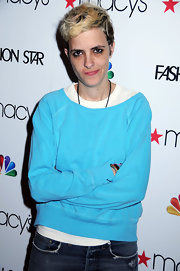Samantha Ronson kept things casual as usual in a turquoise sweatshirt layered over a white T-shirt.