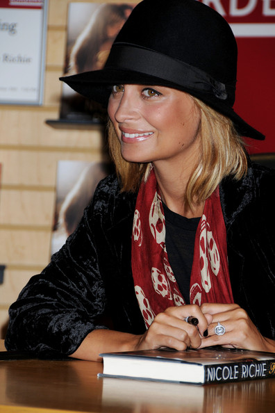 More Pics of Nicole Richie Sun Hat (1 of 28) - Nicole Richie Lookbook - StyleBistro