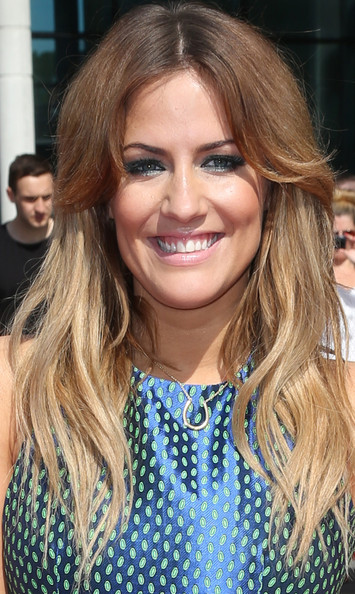 More Pics of Caroline Flack Long Wavy Cut (4 of 7) - Long Wavy Cut Lookbook - StyleBistro