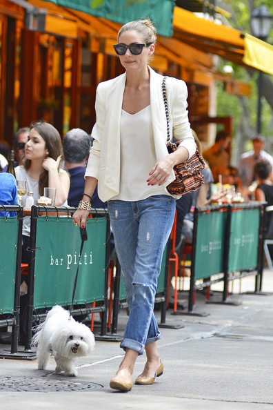 Wear them with a blazer like Olivia Palermo.