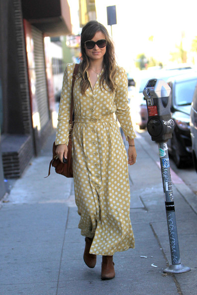 More Pics of Olivia Wilde Flat Boots (1 of 8) - Olivia Wilde Lookbook - StyleBistro
