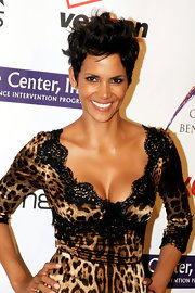 Halle Berry arrived at the Jenesse Silver Rose Awards wearing her cool short layered 'do with lots of volume and texture.